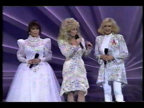 ▶ Dolly Parton, Loretta Lynn & Tammy Wynette-Silver Threads and Golden Needles - YouTube