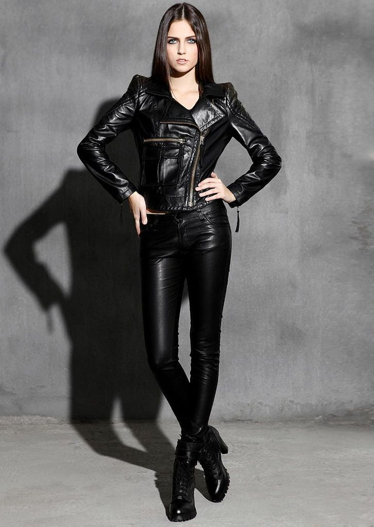 The Beauty of a girl in leather in 2020   Leather pants