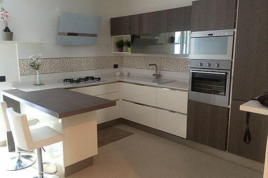 A casa di CRISTIAN MAIORANA, Le cucine ambientate, Veneta Cucine