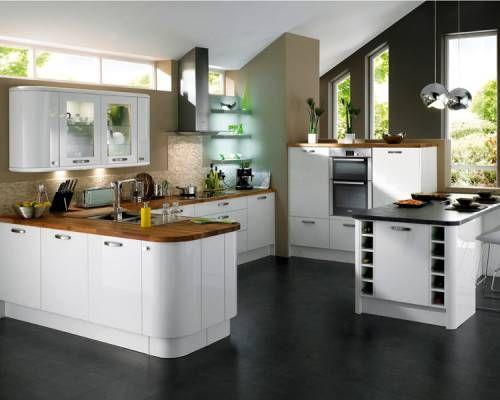 Glendevon White gloss kitchen