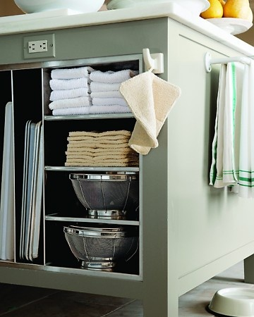 <3: Ideas, Spaces, Electric Outlets, Shelves, Kitchens Tips, Kitchens Islands, Towels Racks, Martha Stewart, Kitchens Organizations