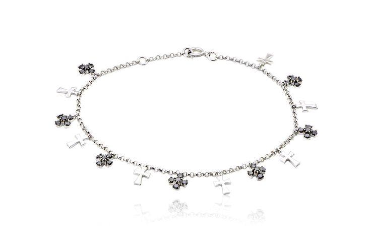 Full Of Crosses Bracelet Βραχιόλι Σταυροί με μαύρα διαμάντια μπριγιάν κοπής 0,95CT σε λευκό χρυσό 18Κ. Price:1100,00 €