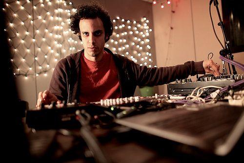 Kieran Hebden (Four Tet) In the Studio