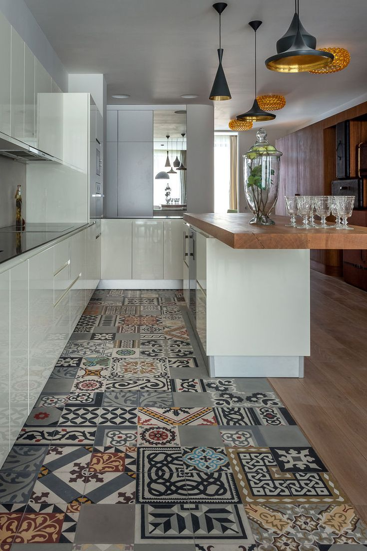 Kitchen and tiles. Floor. cement tiles carreaux de ciment