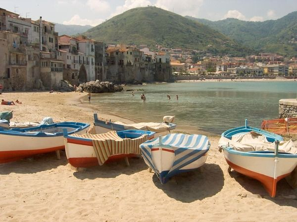Cefalu, Sicily, Italy | Sunsurfer
