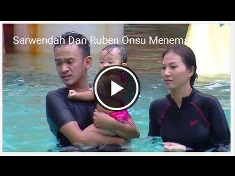 Sarwendah Dan Ruben Onsu Menemani Thalia Berenang Dalam Air  Gosip 13 No...