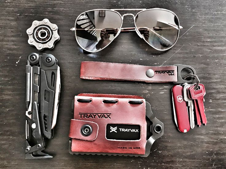 Sunday EDC  submitted by olmo  Ray-Ban RB3362P Classic Aviator  Trayvax Keyton  Victorinox Classic SD  Trayvax Element Wallet  Fidget Spinner Bike Chain Original by OlmoEDC  Leatherman MUT EOD  Spinner from http://etsy.me/2sGzqyd
