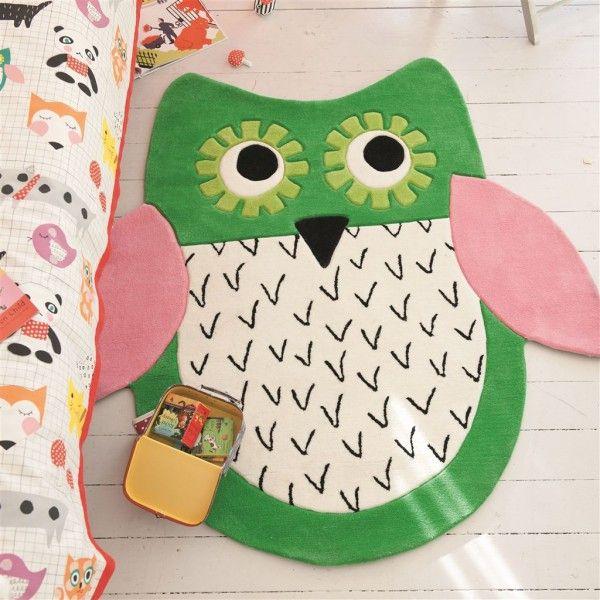 Dywan dla dzieci w kształcie sowy - ciekawy dywanik przy łóżeczku.