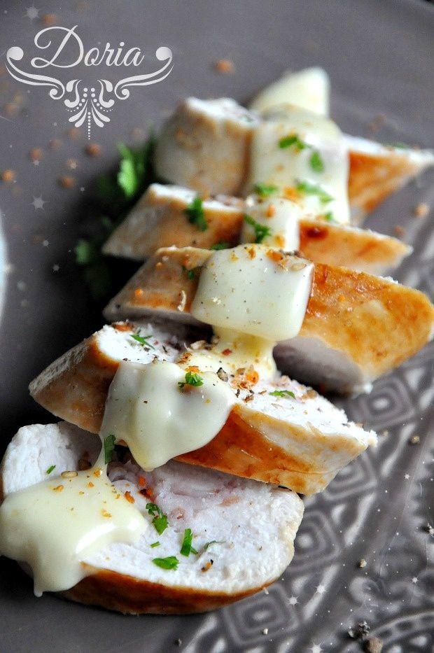 Rôtis de poulet au bacon, sauce au Brie de Meaux et purée de topinambours