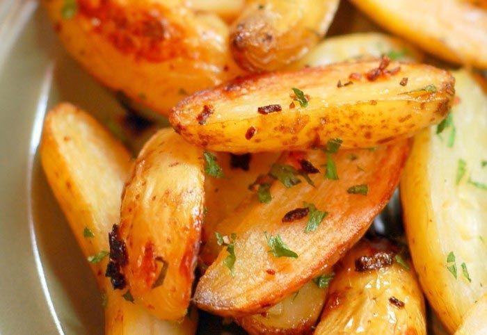 Aprenda a fazer Batatas de Forno de maneira fácil e económica. As melhores receitas estão aqui, entre e aprenda a cozinhar como um verdadeiro chef.