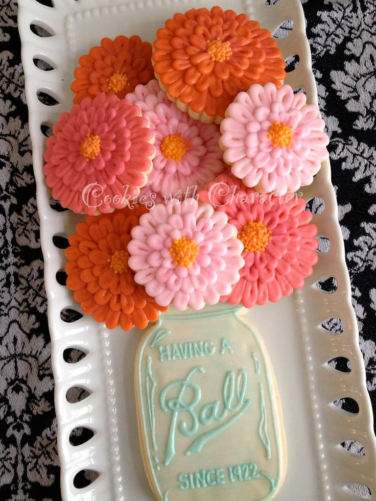 Back in the spring of 2012, I made these Zinnia Flower Cookies for a wonderful lady's 90th Birthday.            Since that time, I have mad...