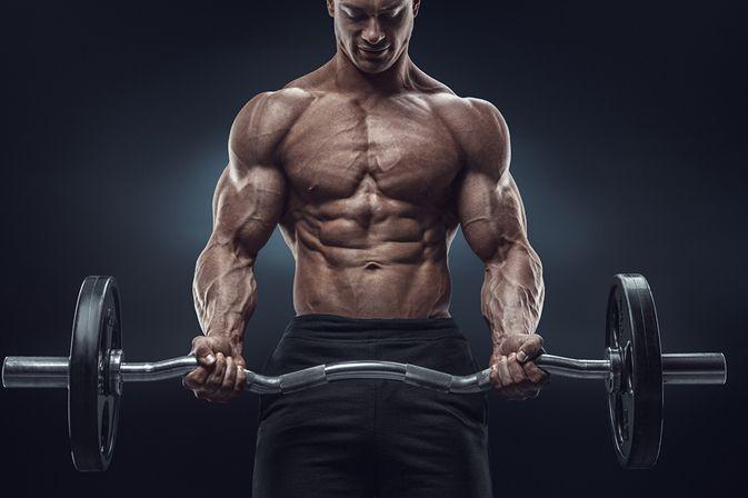 Dużo osób marzy o zbudowaniu umięśnionej, pięknej sylwetki. Trening na masę jest ukierunkowany na rozbudowę muskulatury poprzez odpowiednio dopasowane ćwiczenia, ilość serii i powtórzeń, a także przerw między nimi. Kluczową rolę odgrywa tu również dieta oraz stosowne suplementy na masę. Poniżej garść przydatnych informacji na temat tego, jak trenować na masę.   #dieta #masa #mięśnie #active24polska #love #fitness #lifestyle #gymlife #fitspo #getfi