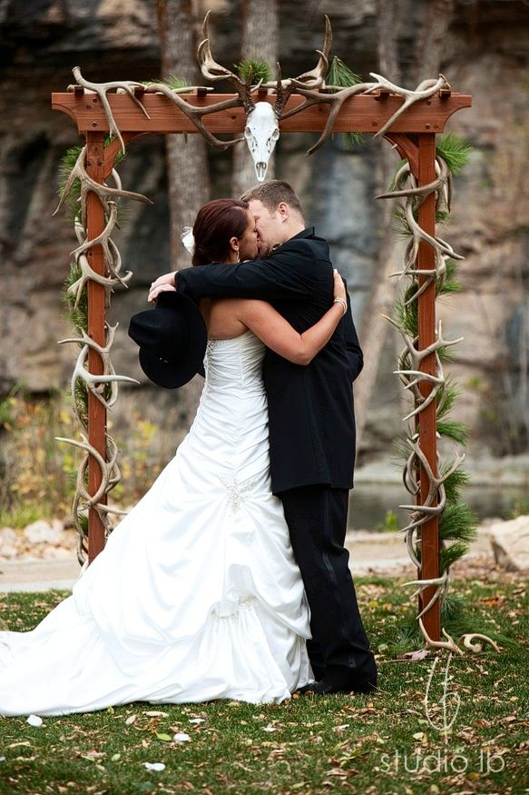 I must have an antler arch at my wedding