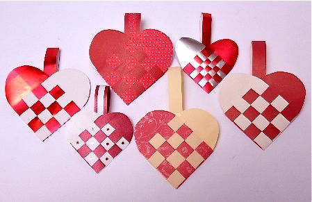 Making Woven Paper Heart Baskets to Celebrate Santa Lucia Day | Gingerbread Snowflakes