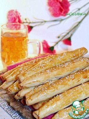 Закусочные сдобные сигары с колбасой