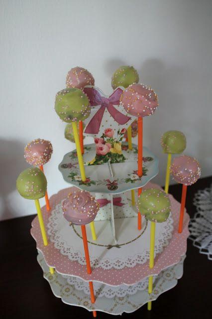 ISOLASSA: kakkutikkareita juhliin mady by Sanna