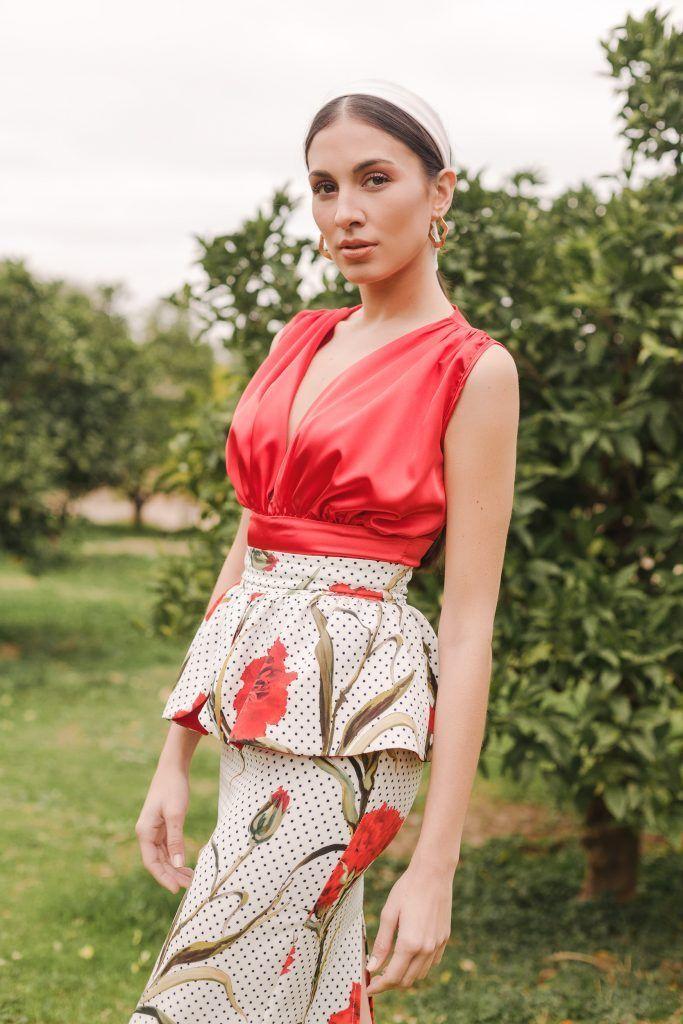 3cb56479 Falda de lunares con flores rojas JIRO | ~ FALDAS ~ | Faldas de ...