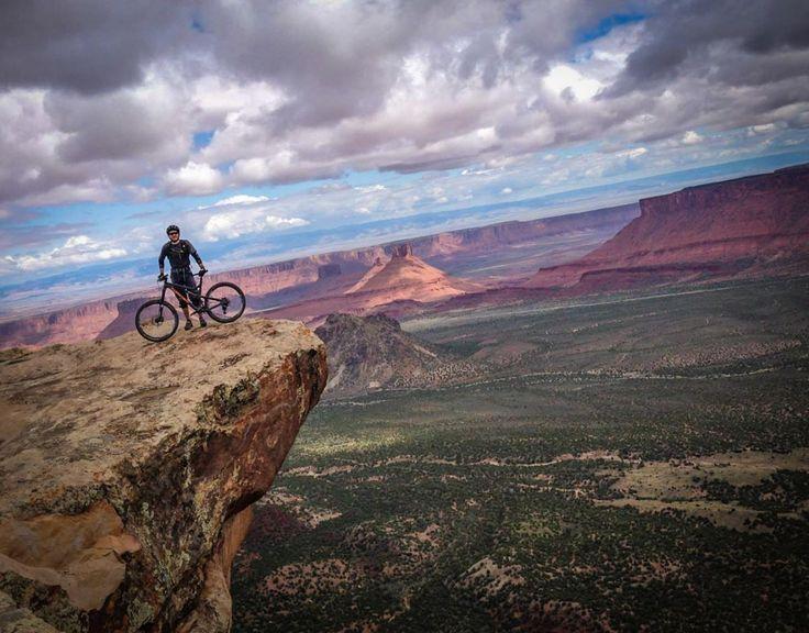 Porcupine Rim Mountain Bike Trail in Moab, Utah    SINGLETRACKS.COM
