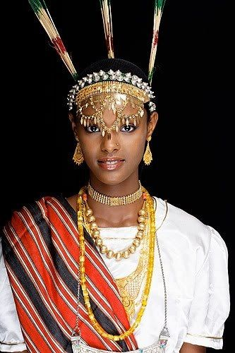 Djibouti woman ~Latest African Fashion, African Prints, African fashion styles, African clothing, Nigerian style, Ghanaian fashion, African women dresses, African Bags, African shoes, Nigerian fashion, Ankara, Kitenge, Aso okè, Kenté, brocade. ~DKK