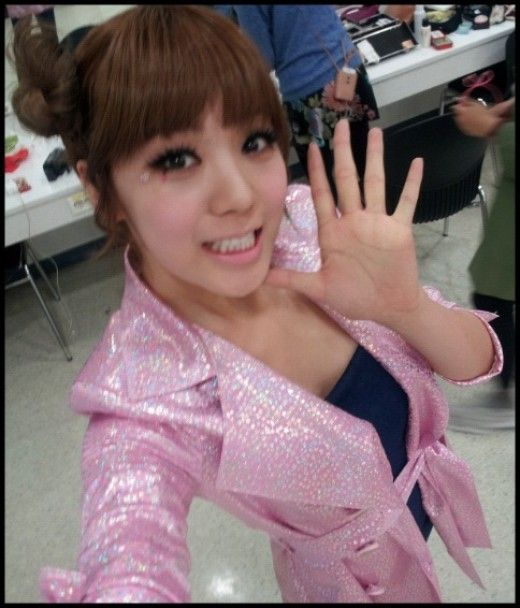 """Orange Caramel Lizzy, Picture at Last Stage of 'Lipstick' """"Goodbye, Thank You"""""""
