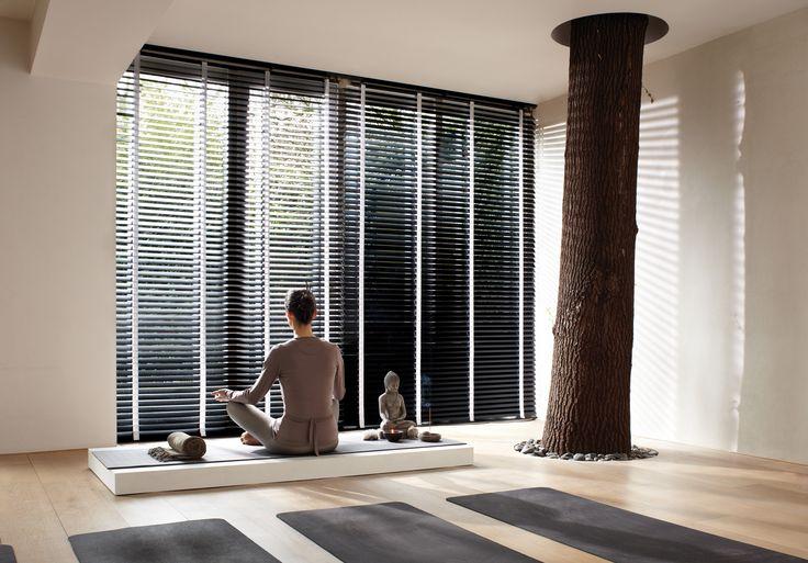 Luxaflex® Houten Jaloezieën | Natuurlijke warme sfeer in uw huis.