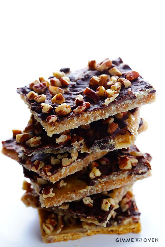 Ce caramel de biscuits Graham fait avec seulement 5 ingrédients est rapide et facile à faire. Idéal comme collation d'après-midi oucomme grignotine de soirée, ces petits caramels sont magiques. Sincèrement j'en mangerais encore et encore.  Ing