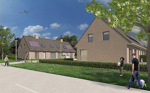 ICHTEGEM. Het bouwproject Ermietshoek is gelegen in een natuurrijke omgeving grenzend aan het Wijnendalebos. Van hieruit bereik je makkelijk en snel de steden Torhout, Diksmuide en Brugge. De 4 nieuwbouwwoningen van het project hebben een hedendaagse stijl.