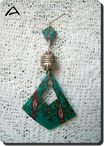 Unique handmade pendant with free-hand graphics  from New-Guinnea