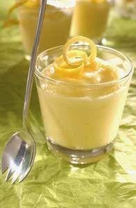 Himmlische Zitronen-Mousse #Rezept (dessert bowls)