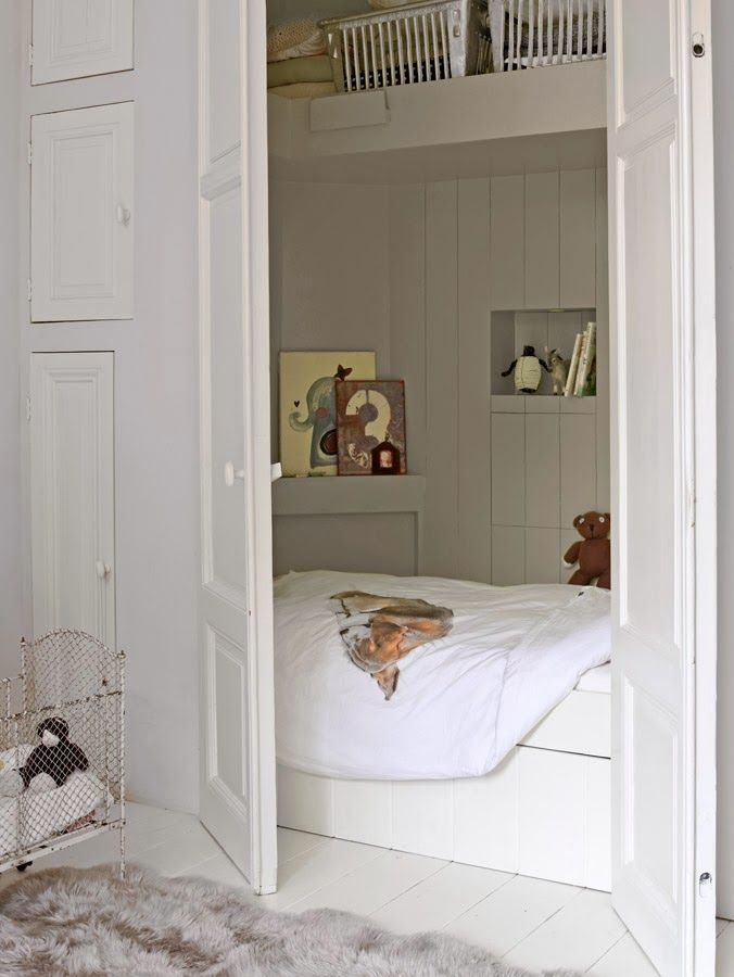 A bed in a closet. Dutch bed (I think that's what it's called). The link isn't great but I want it here to remember the idea. achter deuren?