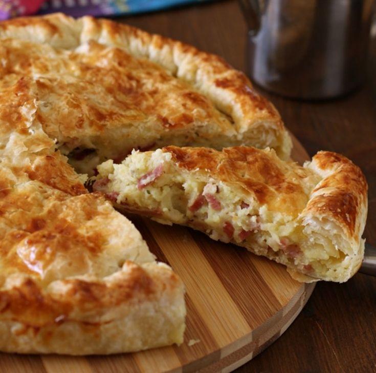Λαχταριστό αλμυρό κέικ με τυρί και πατάτες