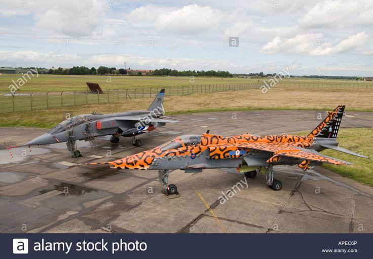 RAF Jaguar en un esquema de pintura conmemorativa para la disolución de 6 escuadrones y la retirada del tipo de RAF Service Foto de archivo