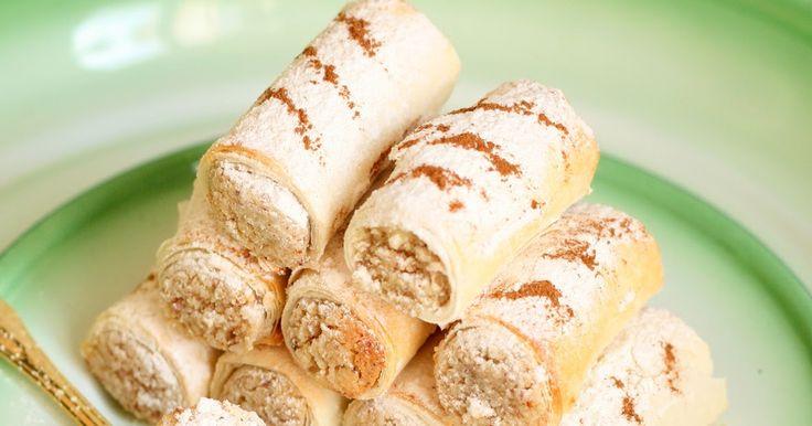 Un ruban de pâte filo qui croustille et qui s'enroule autour d'une bouchée de pâte d'amande fondante... là, les mots me manquent. CROUNCH !...
