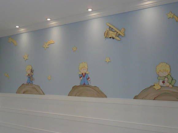 apliques pequeno príncipe com altura entre 30cm acompanha : 3 pequeno príncipe 10 estrelas sortidas 1 avião 3 planetas R$ 370,00