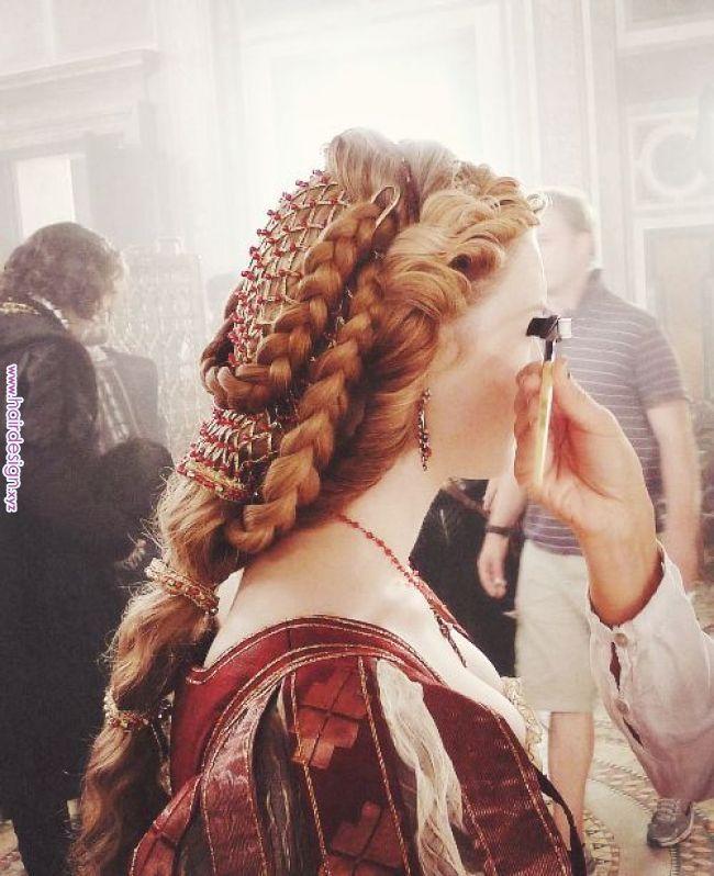 Italian Renaissance Inspired Hair From The Borgias Renaissance Hairstyles Pinterest Hair Styles Renaissance Hairstyles Historical Hairstyles Hair Styles