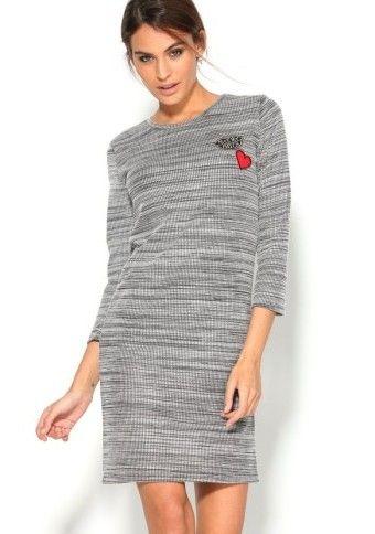 Žebrované šaty s nášivkami #ModinoCZ