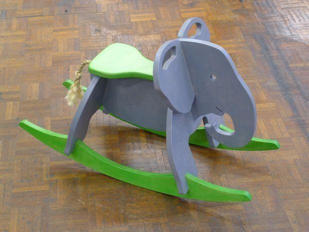 Детская качалка-слон своими руками