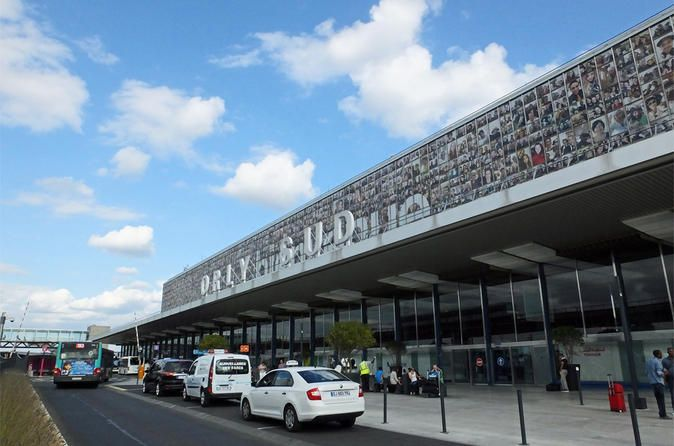 Private transfer: Orly Airport to Paris Book your transfer from the Orly Paris airport (ORY) to your hotel. High-quality door-to-door service with a professional driver who will meet you at the airport after the customs with a name plate.Don't waste time with public transportation or driving in traffic. Book a private transfer from the International Orly Airport (ORY) to Paris in a comfortable vehicle. When booking your transfer, add your arrival date and time, flight number, ...