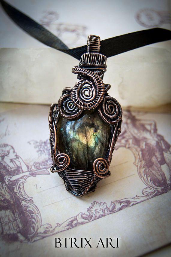 Ciondolo Betelgeuse  Wire wrapped jewelry / Labradorite verde