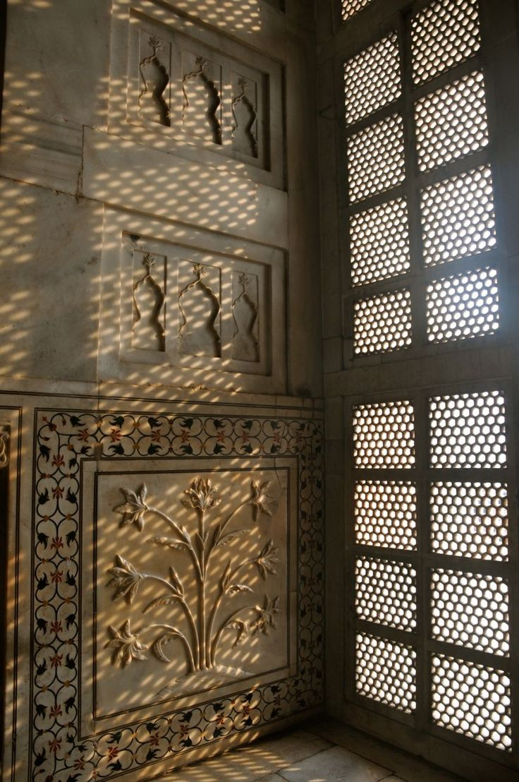 Taj Mahal Interior  MUghal Architecture in India