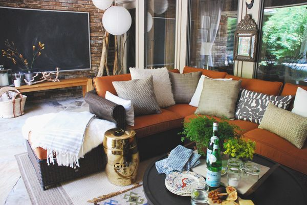 Joslyn Taylor from the blog Simple Lovely gives ideas to put together an awesome, family friendly outdoor living space.
