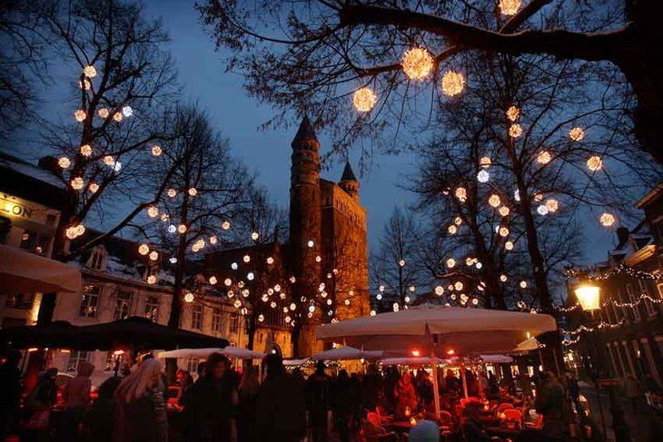 Magisch Maastricht  2011 http://d3mi0kjorayujs.cloudfront.net/system/files/000/065/159/large/Magisch%2520Maastricht%2520020.jpg%3F1291579444