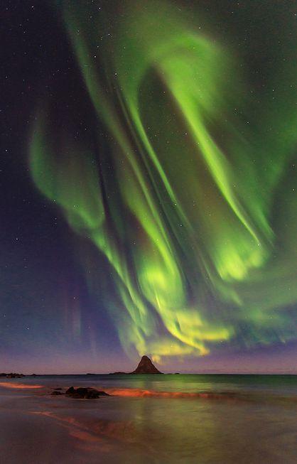 Fabulous Aurora Borealis above Bleik Island, Norway (Foto: Ola Albert Bjerrang)