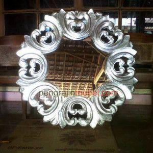 frame kaca hias jepara 300x300 Kaca Cermin Dinding , Model Frame Cermin Perak