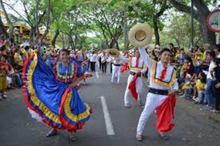 Convocatorias para desfiles folclóricos de danzas y comparzas