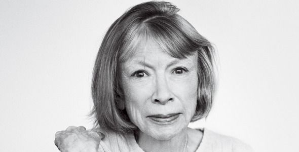 Buon ottantesimo compleanno, Joan Didion! - La Didion compie oggi ottant'anni, cinquanta dei quali passati a scrivere: dall'esordio sulle pagine di Vogue ai memoir sul lutto e sulla perdita.