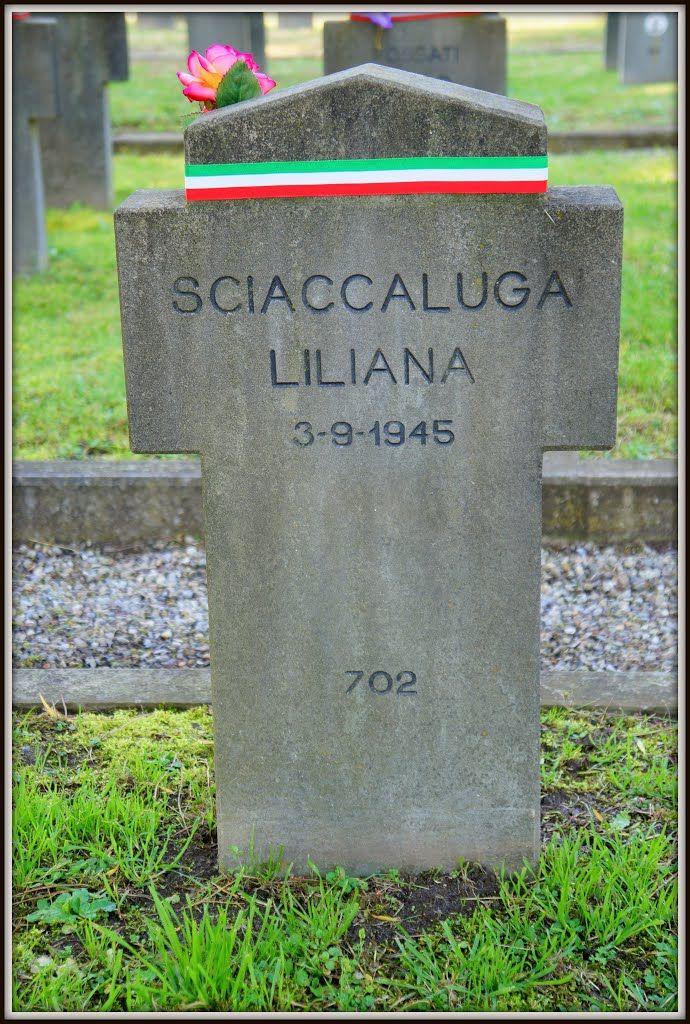 Sciaccaluga Liliana,Ciivile,  iscritta al Partito Fascista Repubblicano, di anni 21, residente a Genova, assassinata dai partigiani a Corsico il 3/09/1945, a guerra finita da più di 4 mesi.