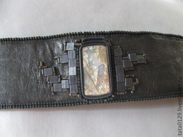 Купить Браслет с лунным камнем(мужской) - лунный камень, кожа, бисер, серый, матовый, черный