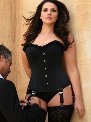 Hips and Curves is one of the best websites for plus size clothing for the boudoir... I absolutely adore this corset!
