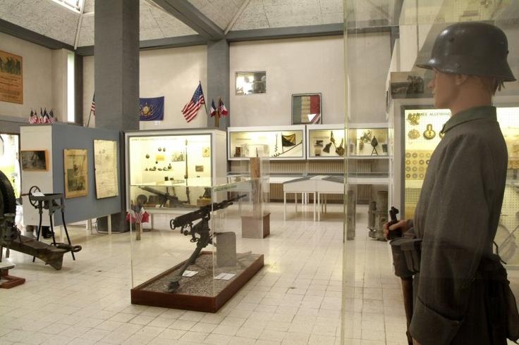 Musée d'Argonne à Varennes en Argonne.  Le musée présente trois sections relatives à l'histoire locale.